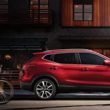 2019-Nissan-Rogue-Sport-parked-passenger-side