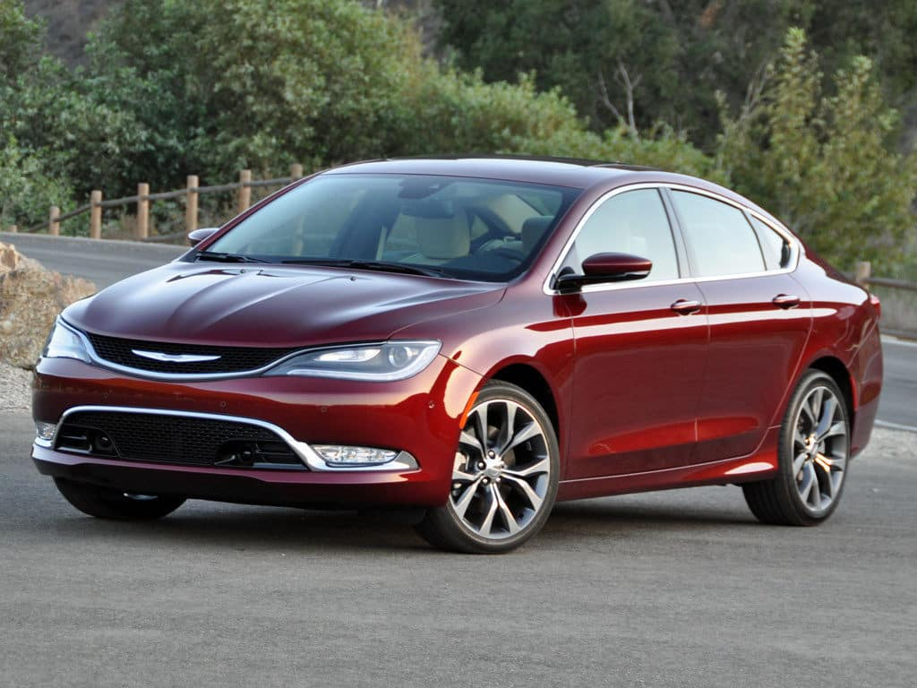 Pros and Cons Chrysler 200 AWD