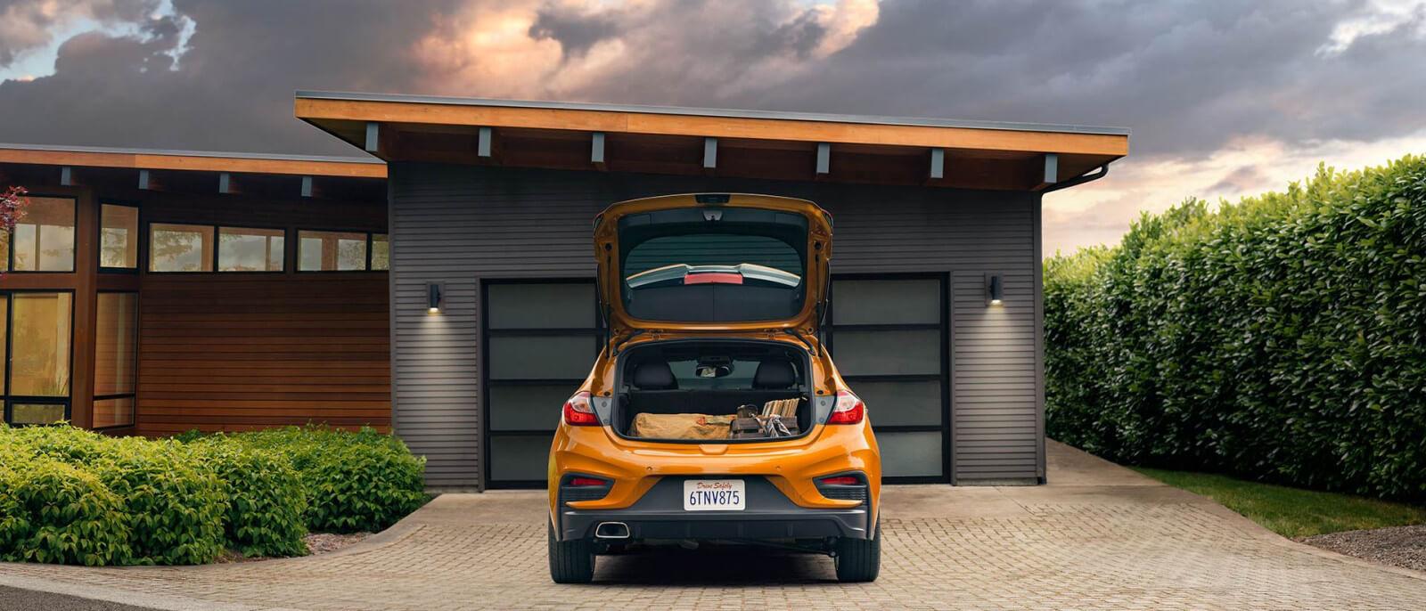 Chevrolet Cruze Hatchback cargo space
