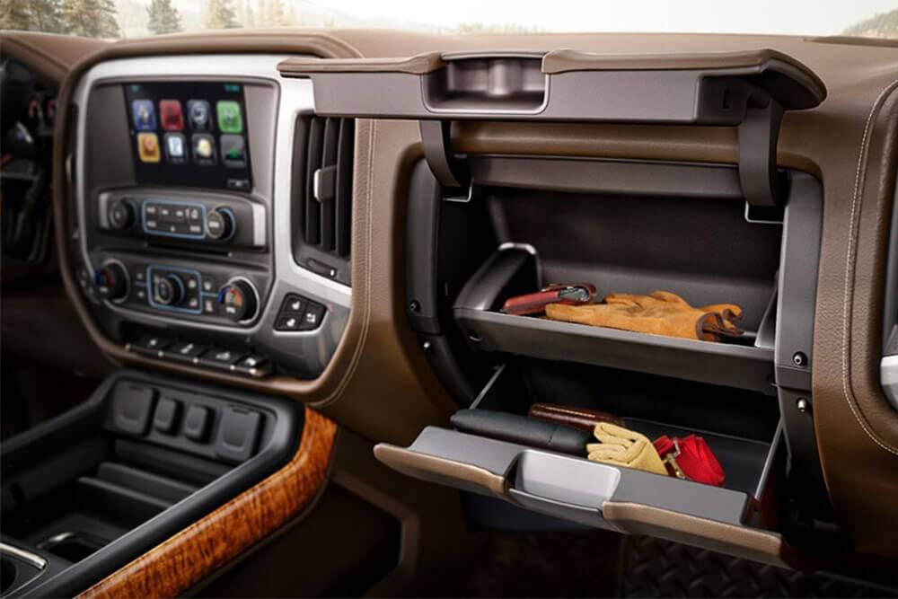 2017 Chevy Silverado 1500 High Country Glovebox