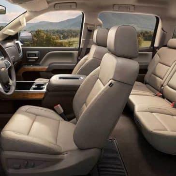 2018 Chevy Silverado 1500 interior space