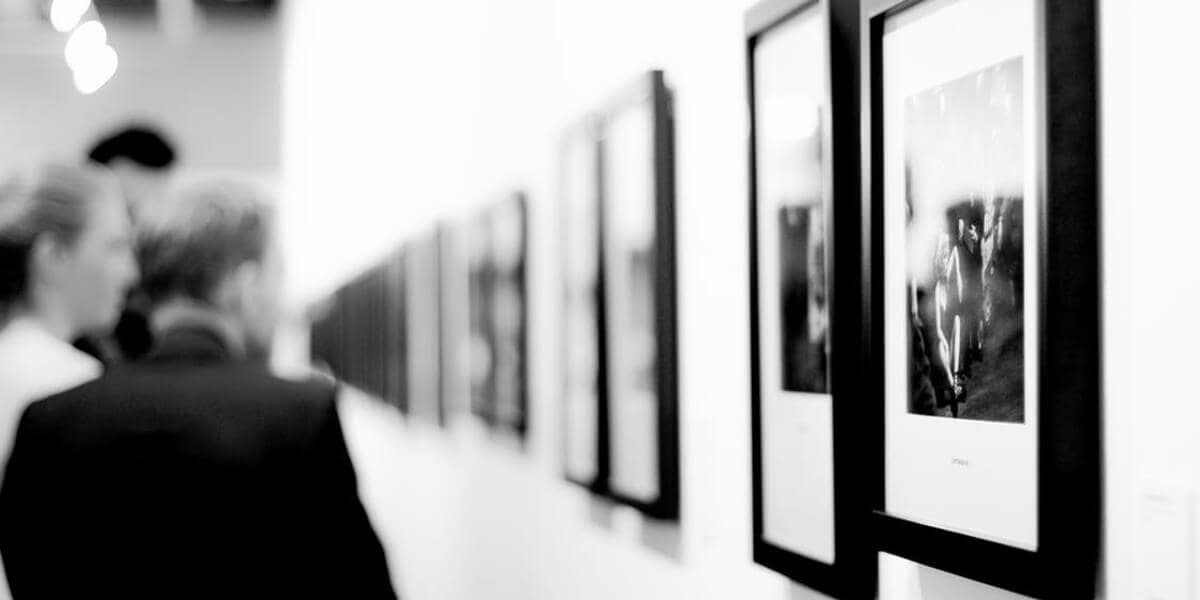 art gallery photo