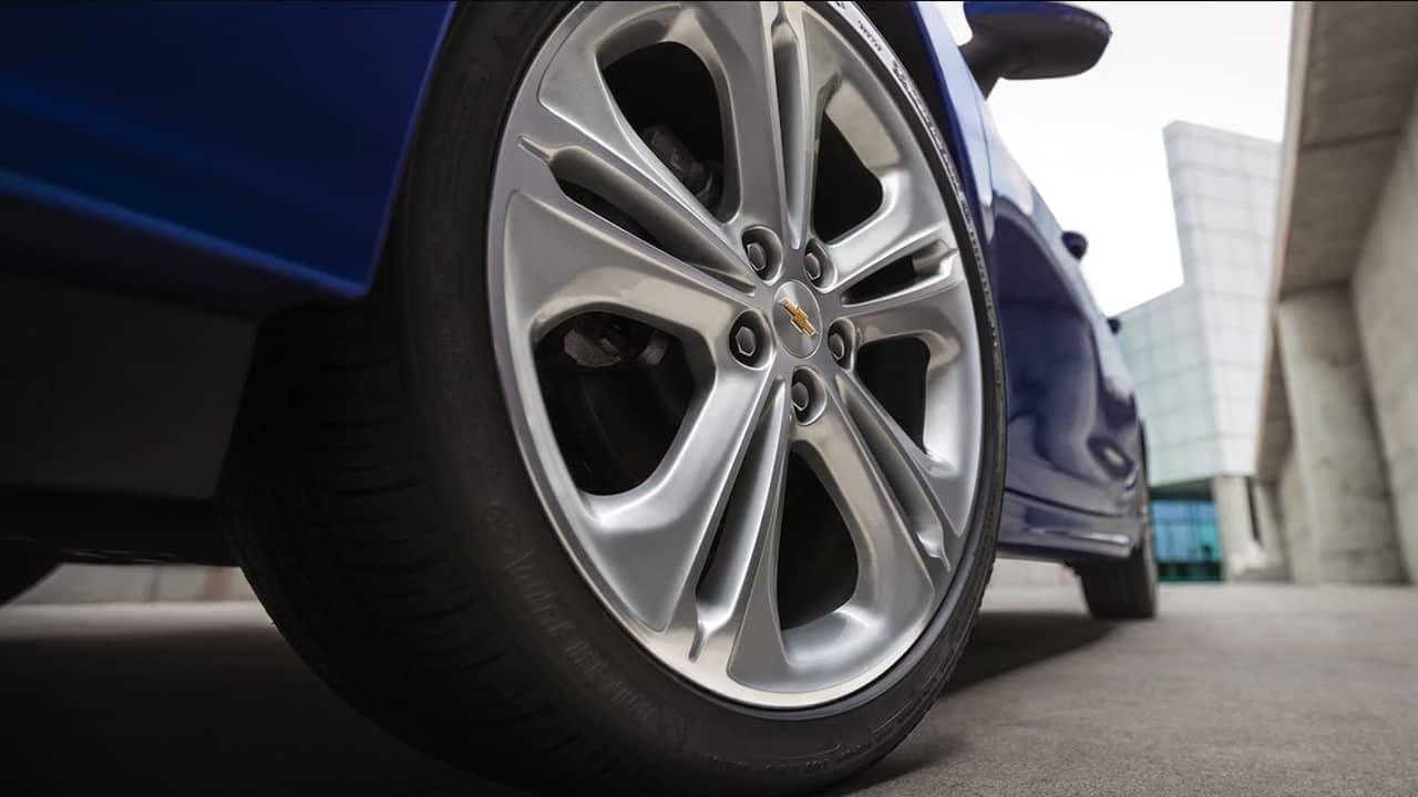 2018 Chevrolet Cruze wheels