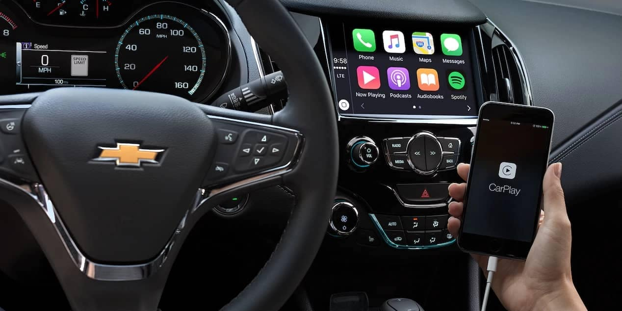 Apple Carplay and MyLink in 2018 chevrolet cruze