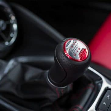 manual gearshift in 2018 Chevrolet Camaro