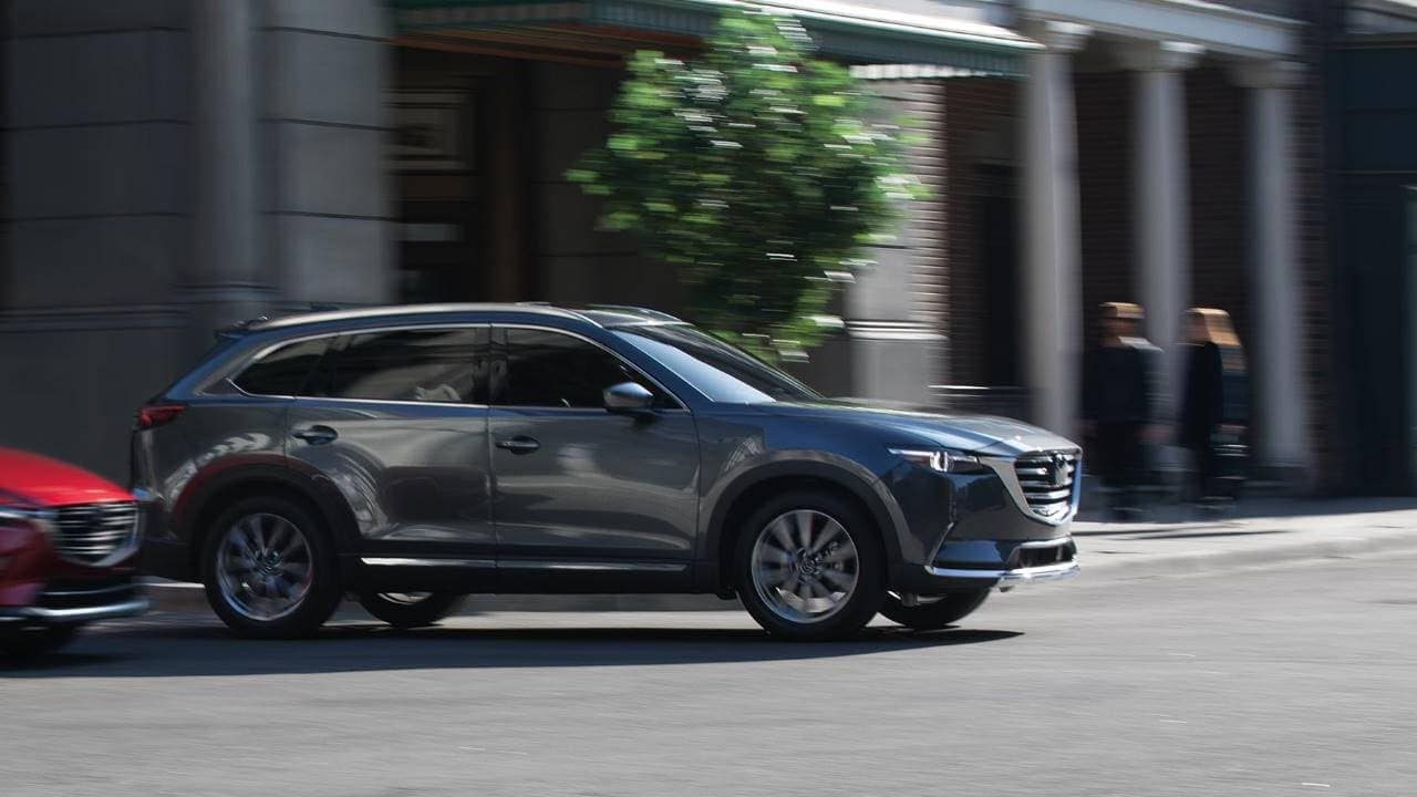 2019 Mazda CX-9 Driving in the city