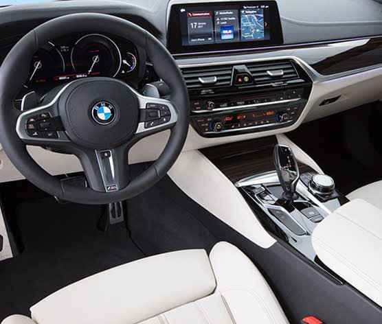 2018 BMW 5 Series dashboard