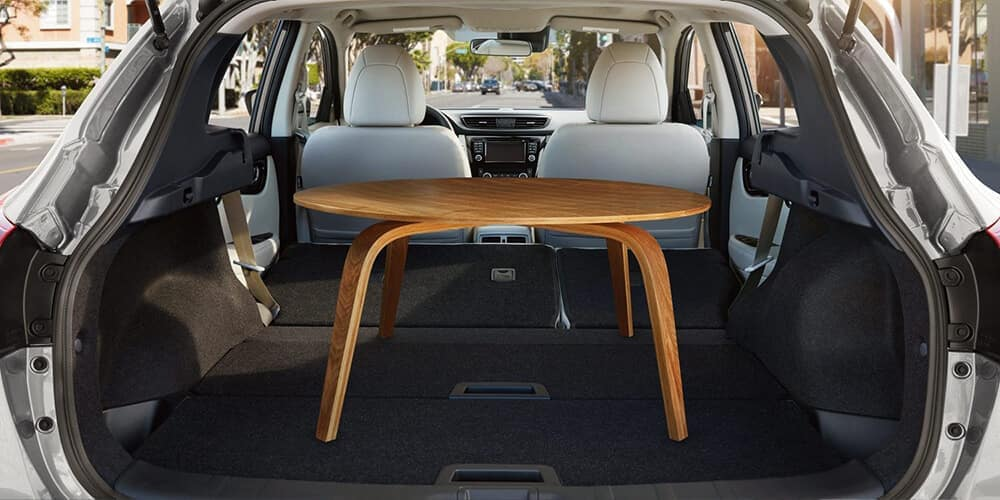 2018 5 Nissan Rogue Sport Interior design rear hatch