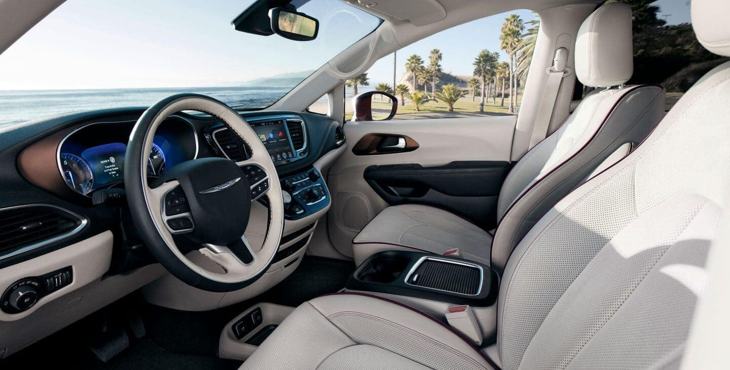 2018 Chrysler Pacifica front interior