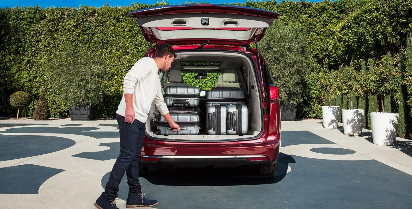 2018 Chrysler Pacifica cargo