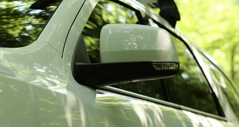 2019-dodge-durango-rear-view-mirror