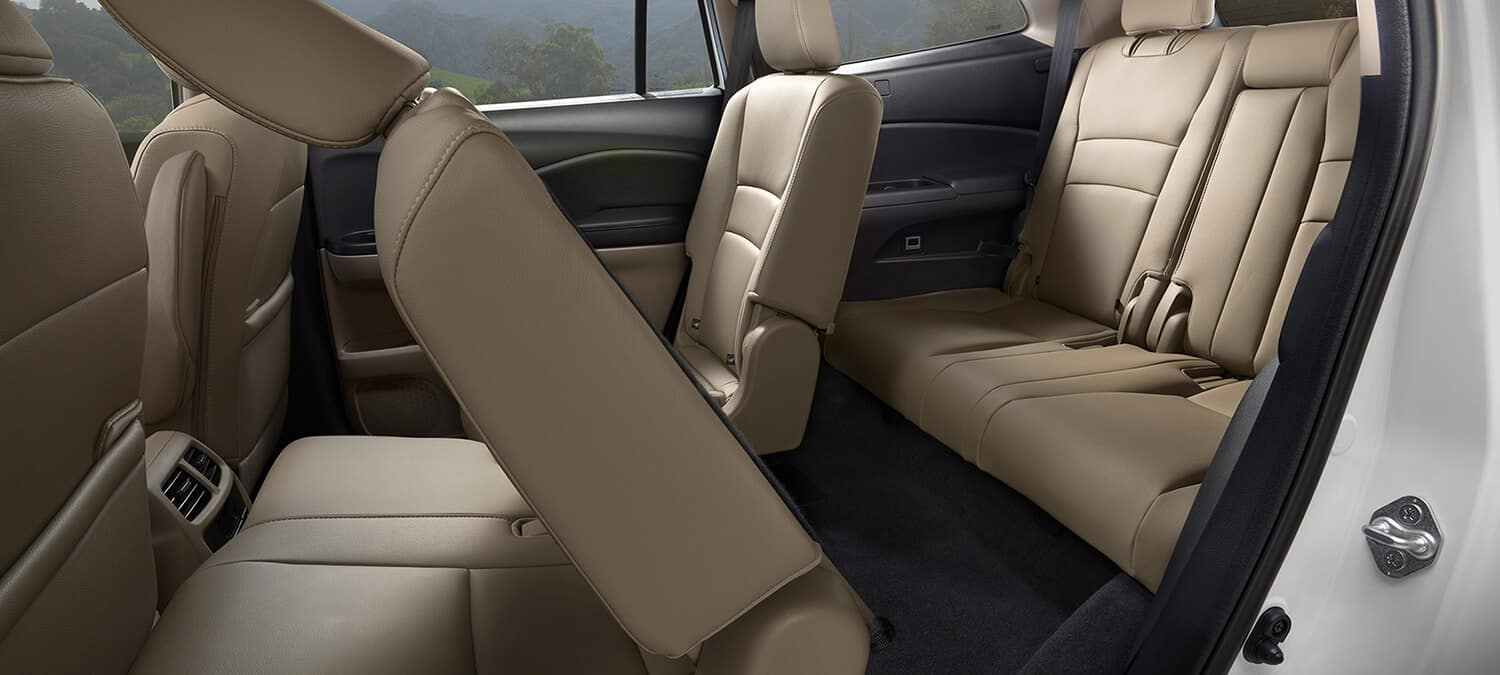 2019 Honda Pilot AWD Interior One-Touch 2nd-Row Seating