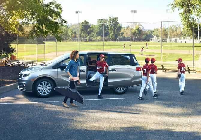 2019 Honda Odyssey with baseball team