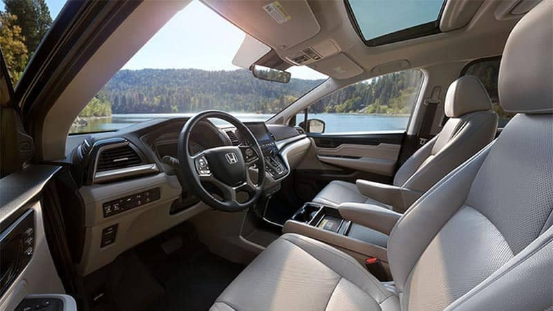 2019 Honda Odyssey Interior Front Seating and Features