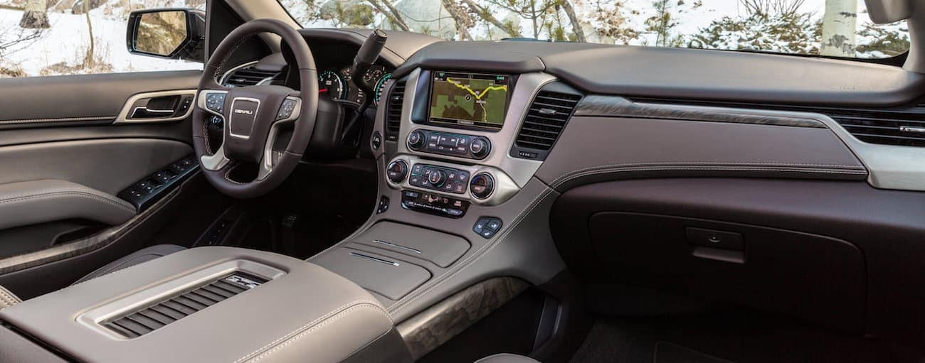 A look at the high-tech interior of the Yukon XL, winner of 2019 GMC Yukon XL vs 2019 Toyota Sequoia