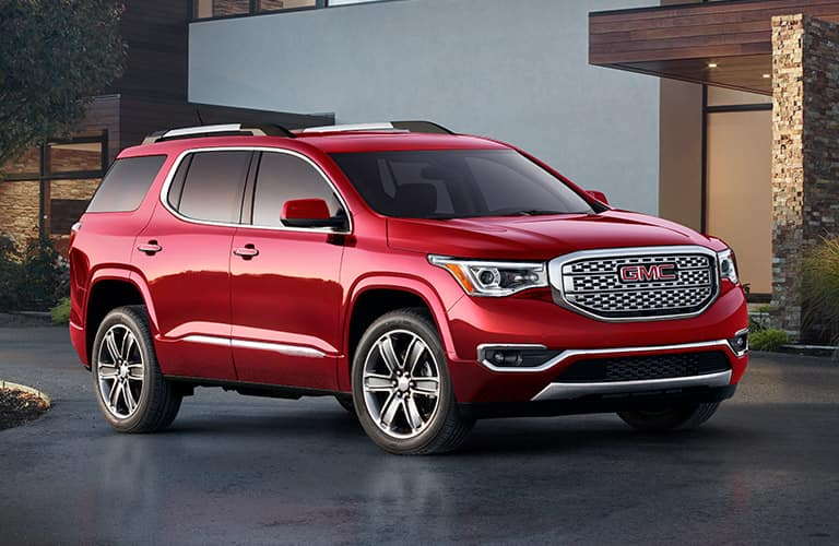 2019 GMC Acadia exterior front fascia and passenger side