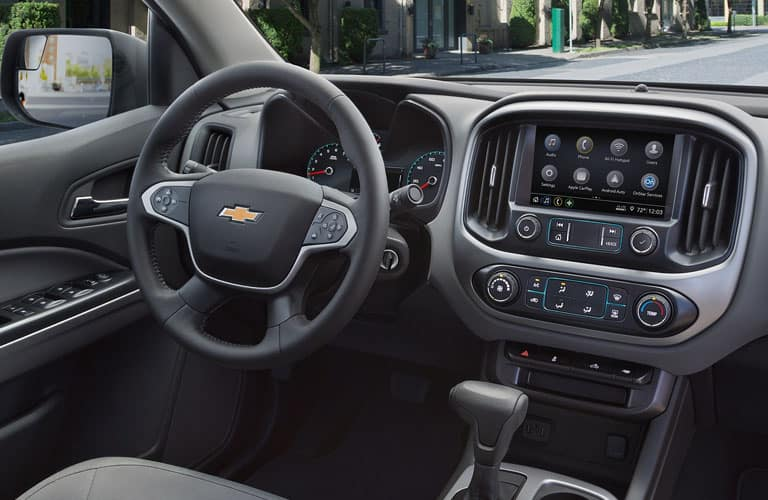 steering wheel and dashboard in 2019 Chevy Colorado
