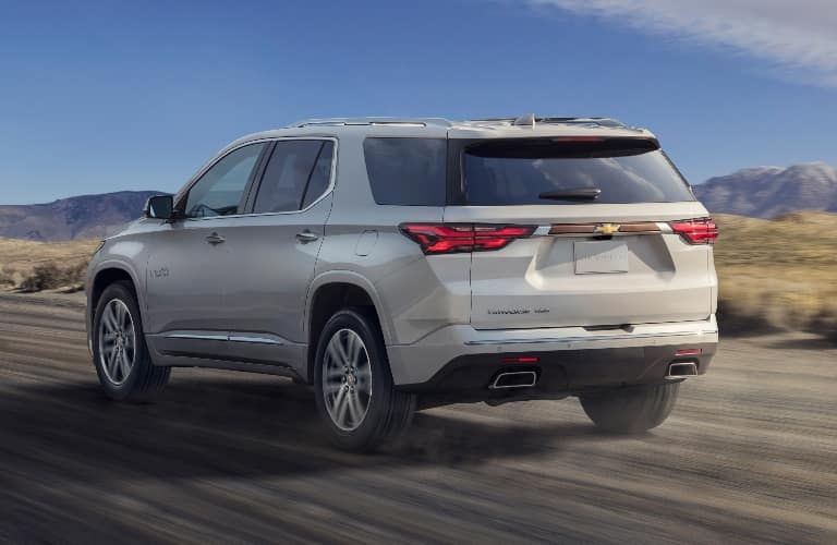 2021 Chevrolet Traverse driving away