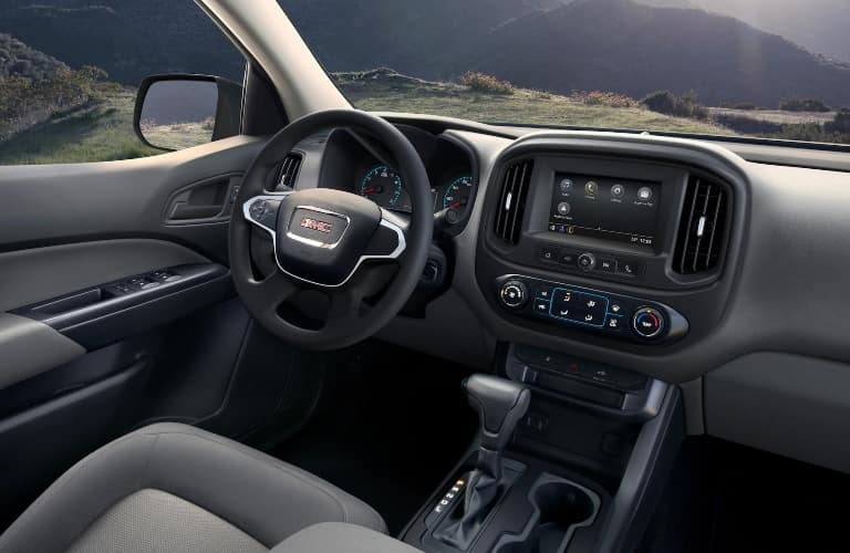 2021 GMC Canyon steering wheel and center console