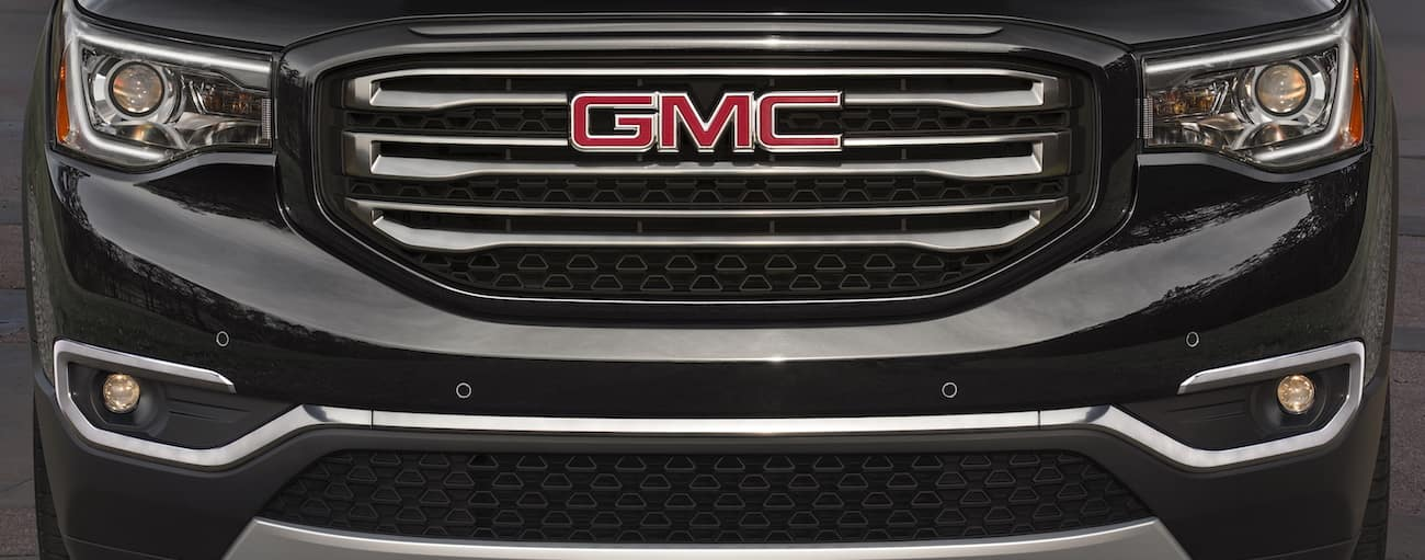 A closeup of a 2019 GMC Acadia grille