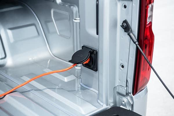 2019 Silverado Bed Outlet Plug