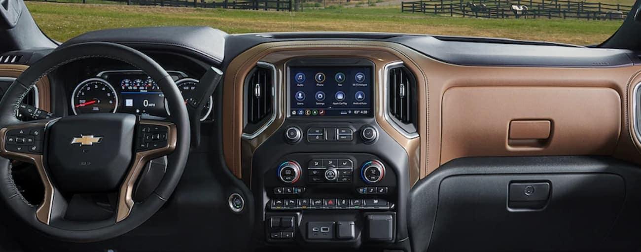 The brand new black and tan interior of the 2019 Chevy Silverado 1500