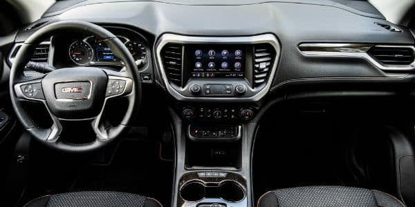 Steering wheel and dashboard in 2020 GMC Acadia AT4