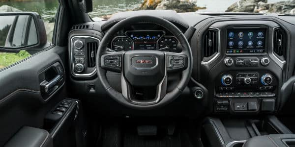 Steering wheel and dashboard in 2020 GMC Sierra 1500 AT4