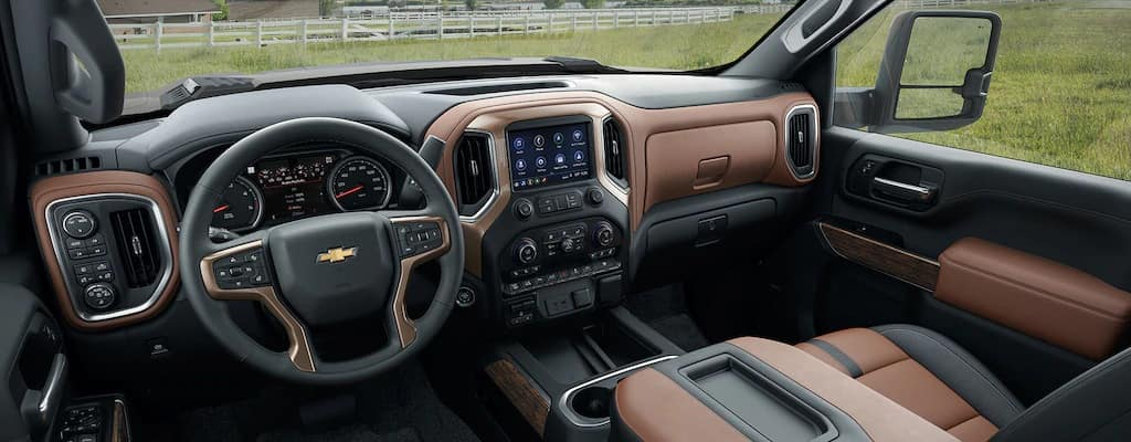 What's on the interior of the 2020 Chevy Silverado 2500 HD?