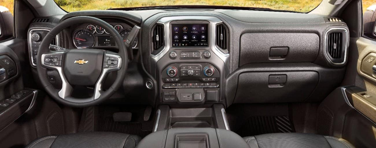 The dashboard and infotainment system of a 2019 Chevy Silverado LTZ