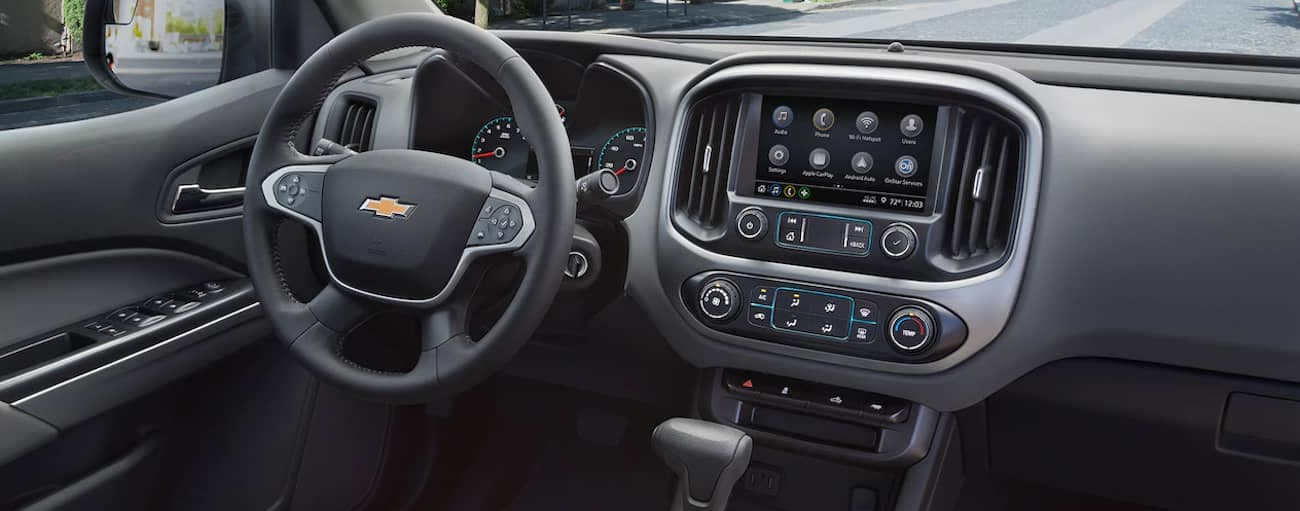 The high tech black interior of the 2019 Chevy Colorado