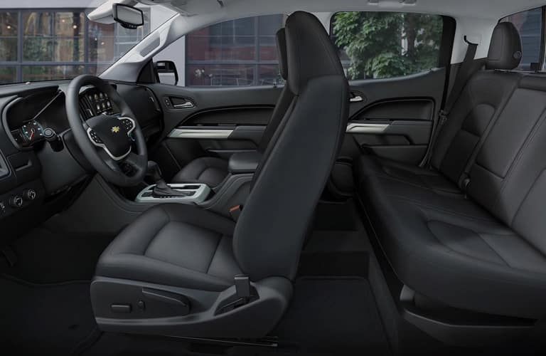 Dark grey dashboard and seats in 2020 Chevrolet Colorado