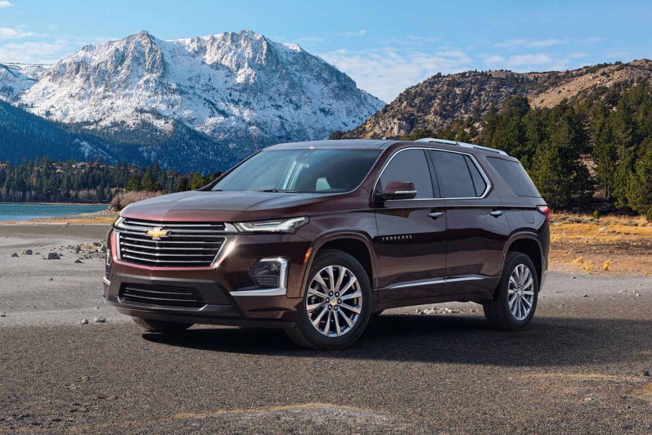 red 2022 Chevrolet Traverse front view