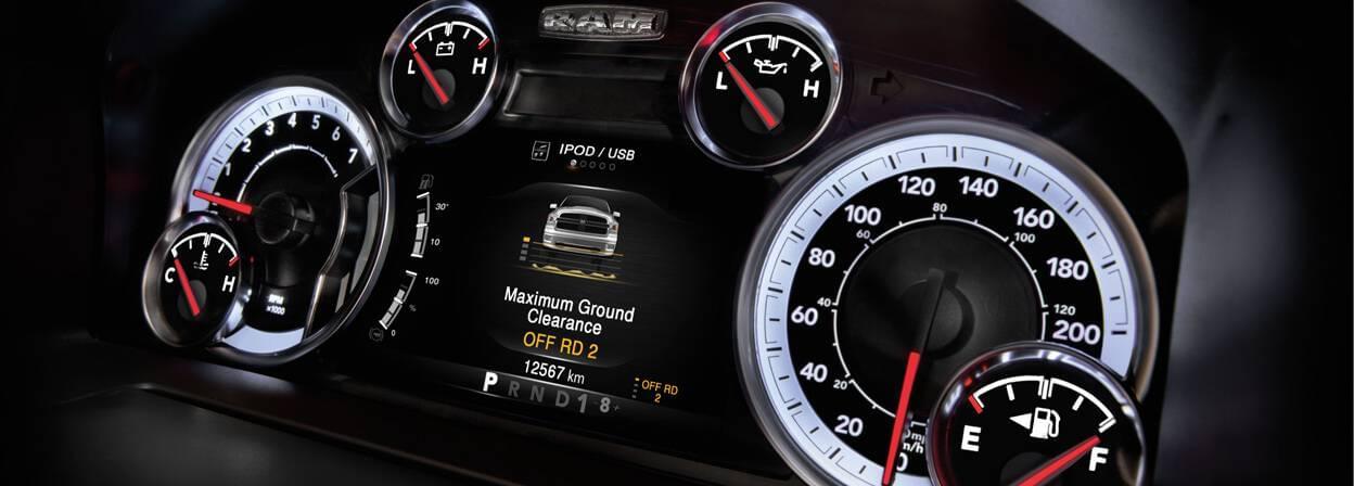2017-ram-1500-interior-dash