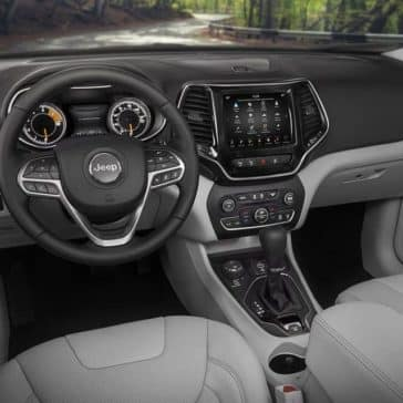 2019 Jeep Cherokee Canada interior dashboard