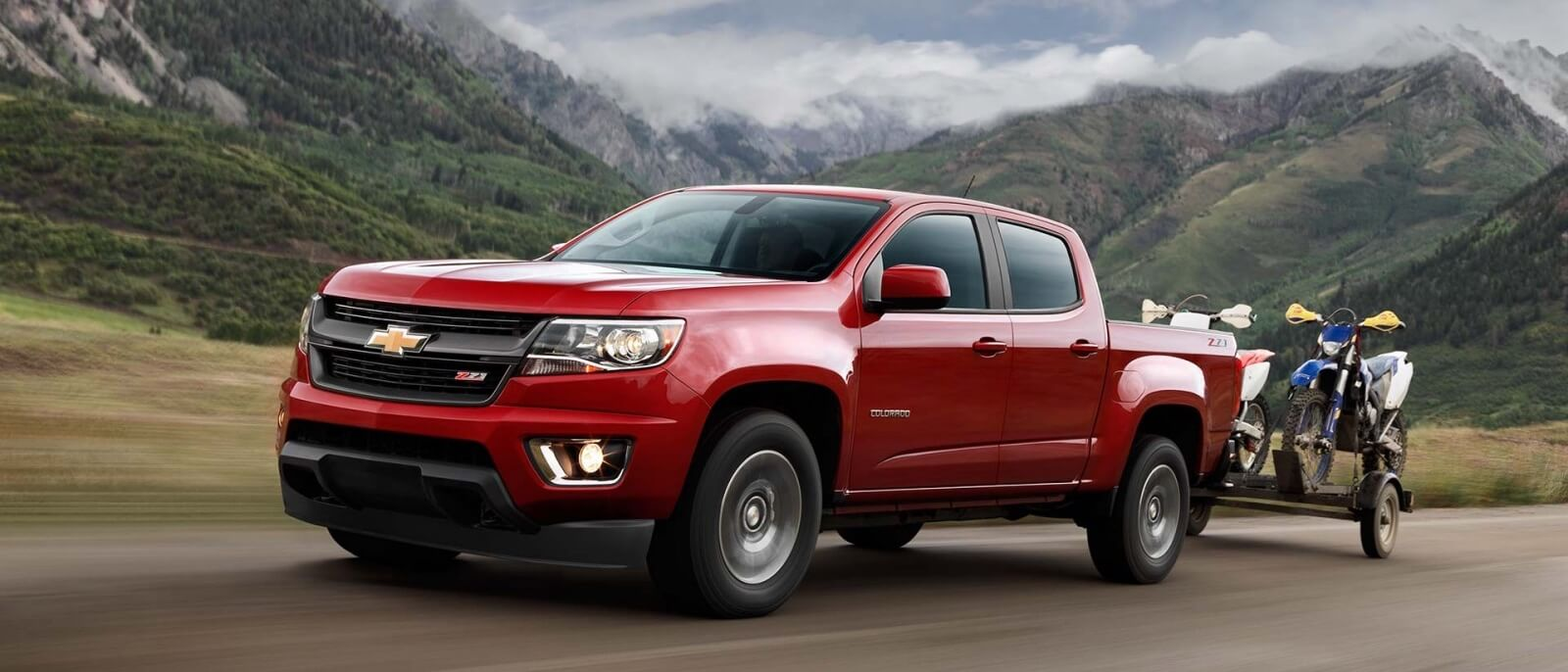 2017 Chevrolet Colorado red exterior model side view