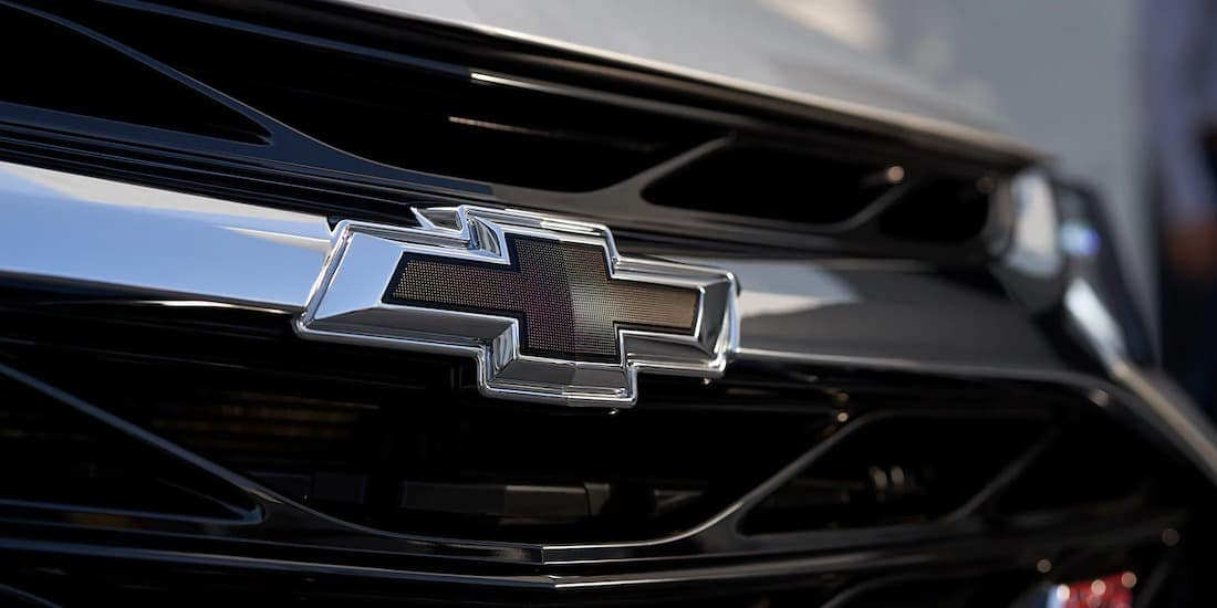 2019 Chevy Cruze in black grill closeup