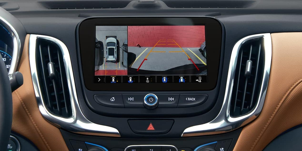 2019 Chevrolet Equinox with rear camera technology in cabin