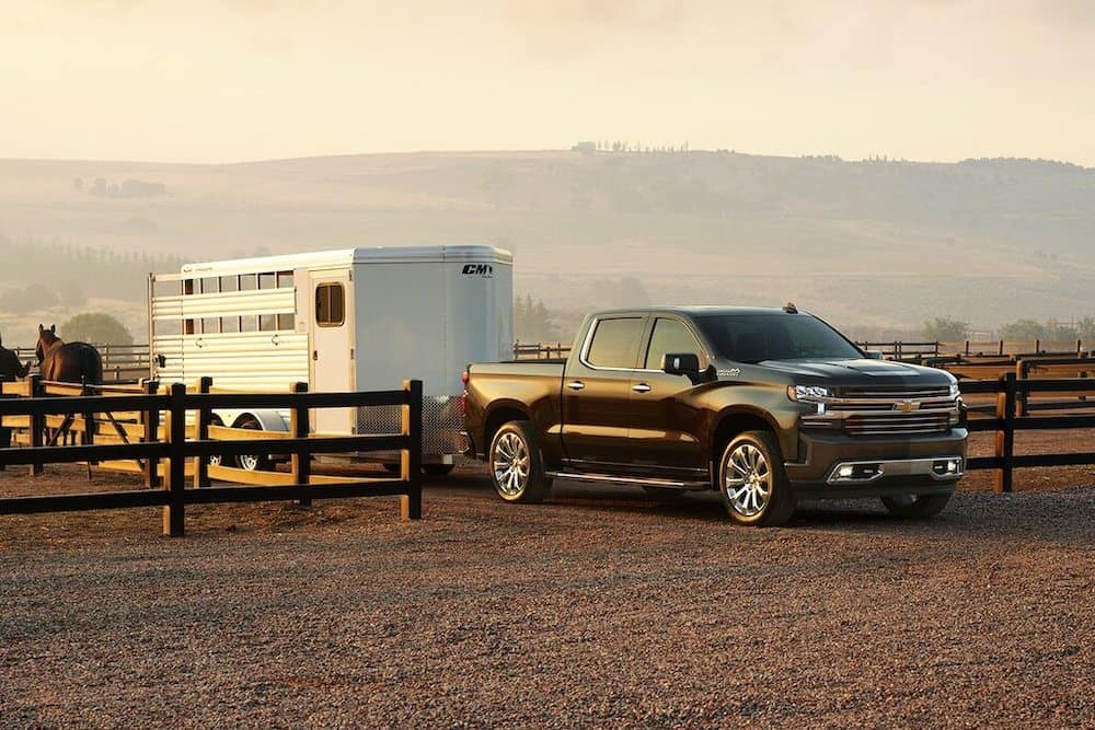 2020 Chevy Silverado 1500 Towing Horse Trailer