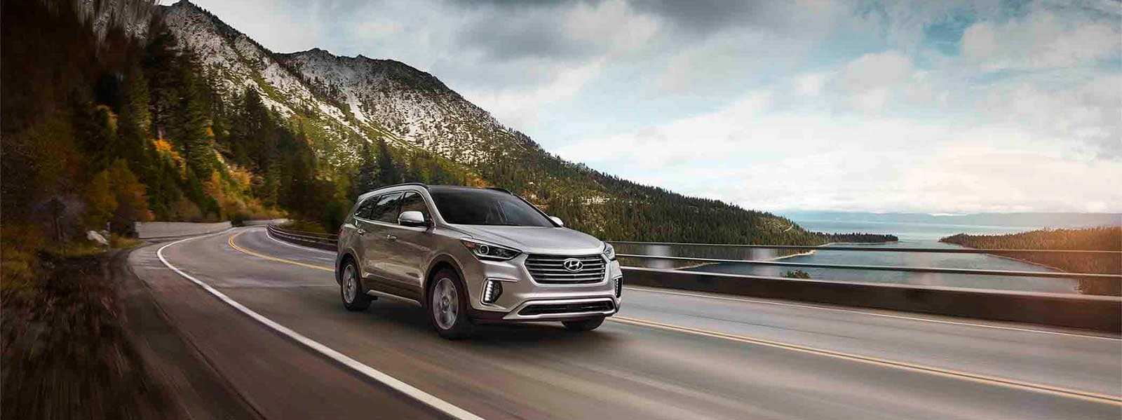 2017 SantaFe Limited Ultimate Tech Silver 0008 Mountains