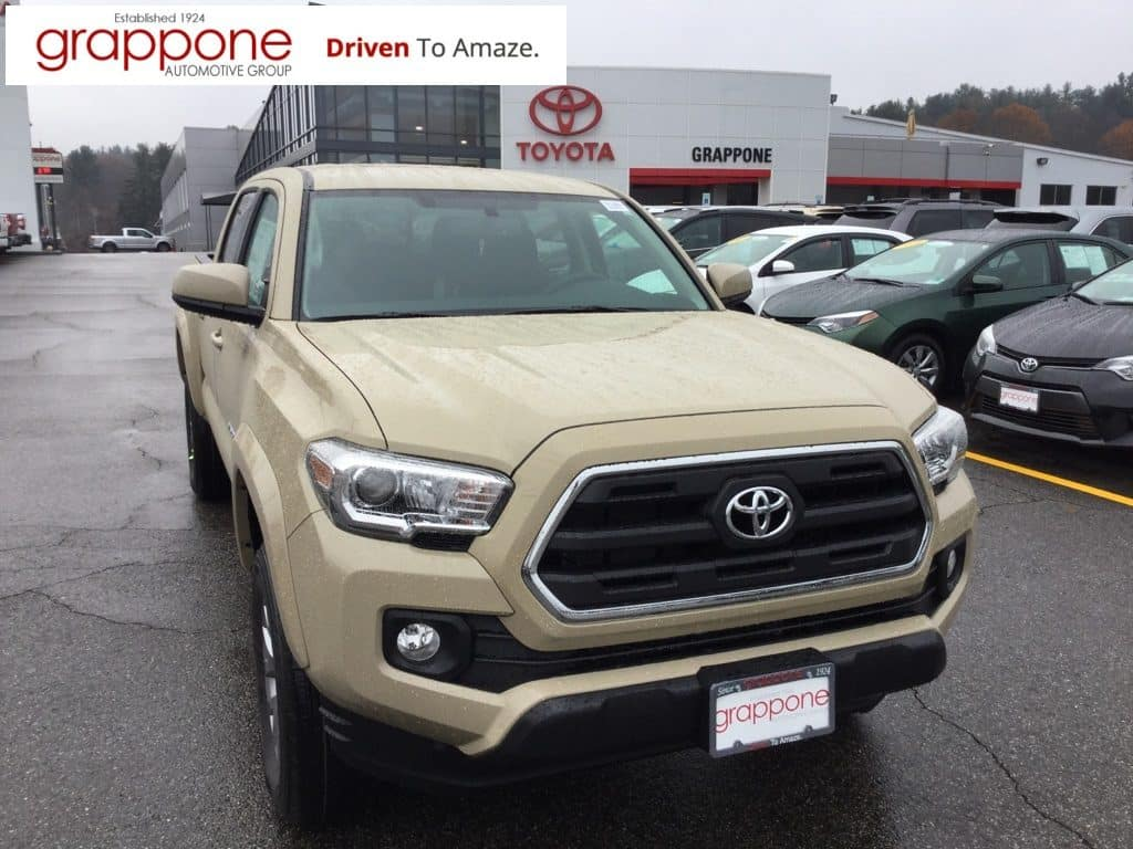 New 2017 Toyota Tacoma SR5 4D Double Cab 4WD