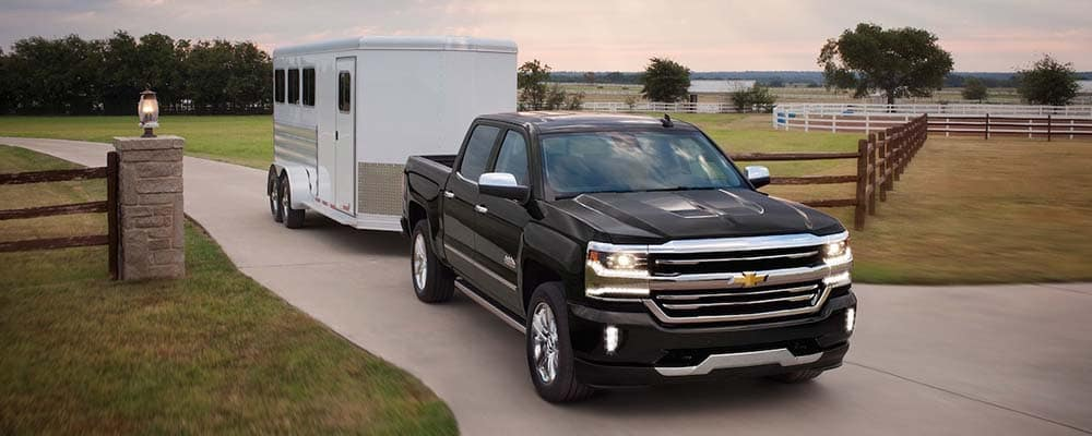 2018 Chevrolet Silverado trailer in country at dusk