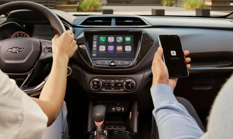 2021 Chevy Trailblazer interior infortainment Apple CarPlay
