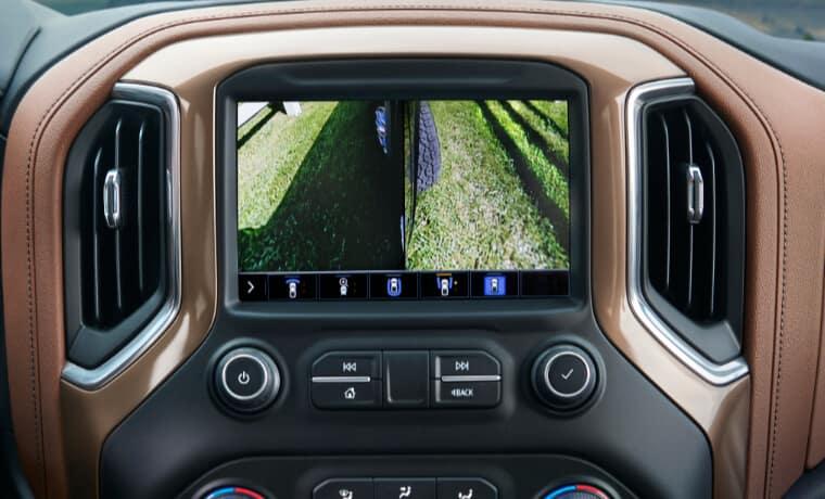 2021 Chevy Silverado 2500 interior infotainment camera