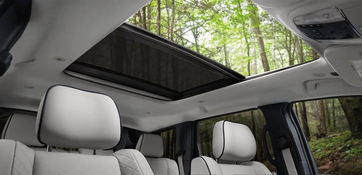 2019 Jeep Cherokee Summit dual pane sunroof