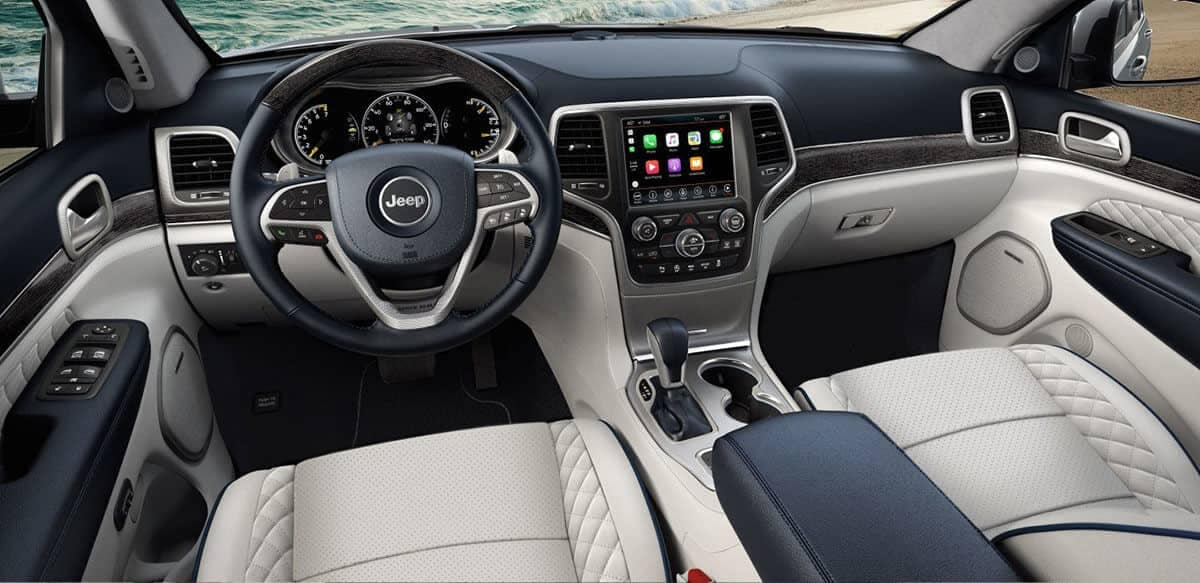 interior dashboard 2018 Jeep Grand Cherokee