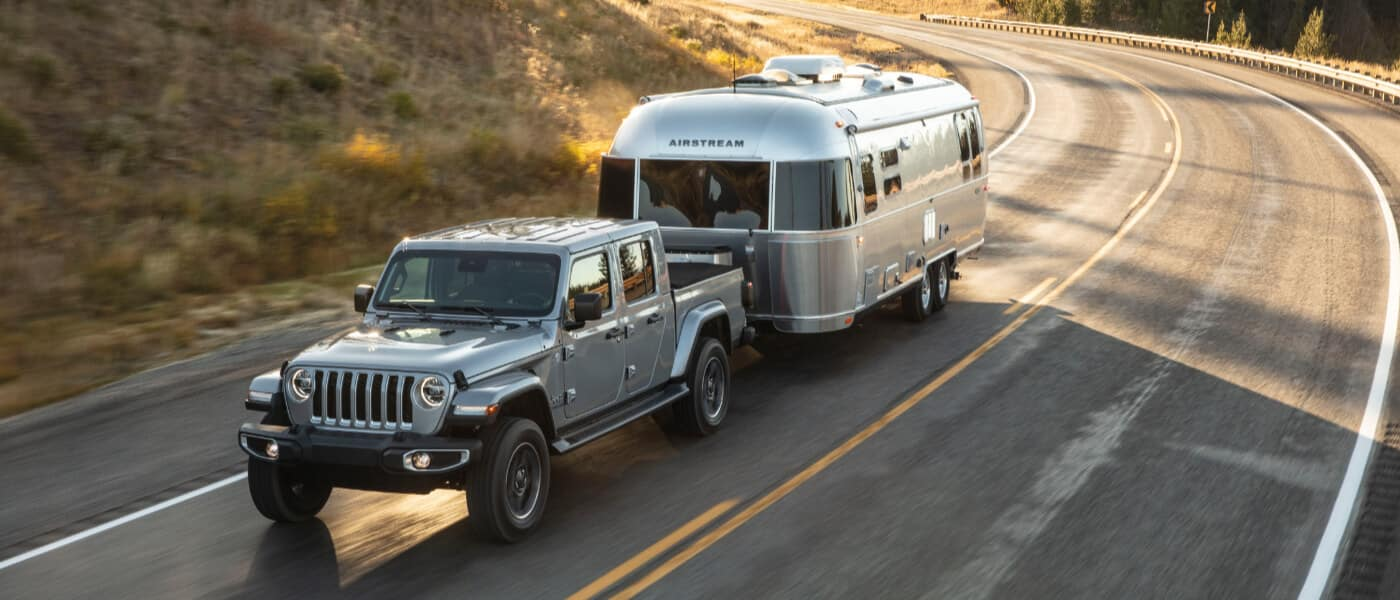 2021 Jeep Gladiator towing a trailer