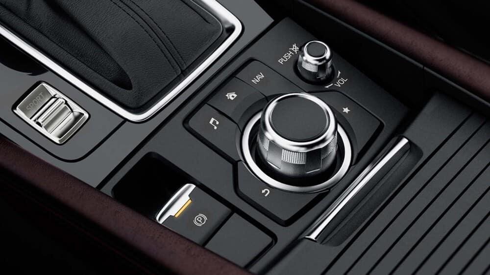 2018-mazda-3-hatchback-center-console