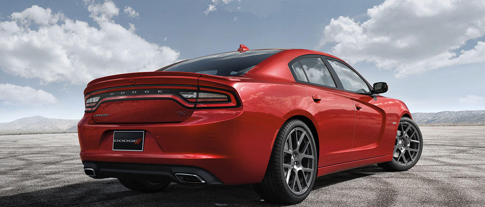 2015 Dodge Charger in red