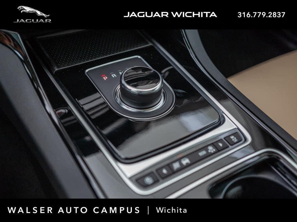 2018 Jaguar XE Interior Gear Shift Knob